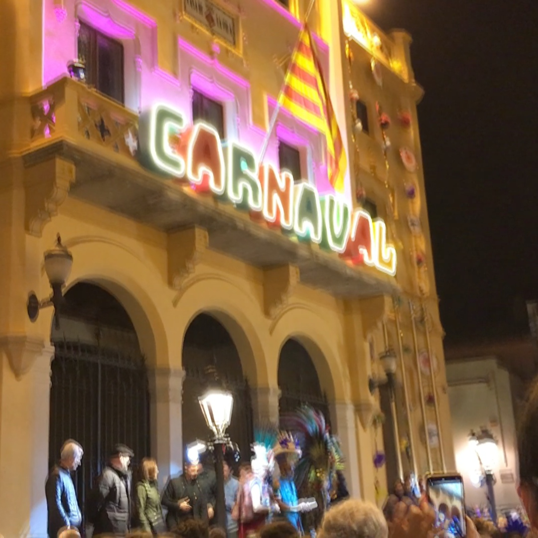The King of Carnival takes over Sitges