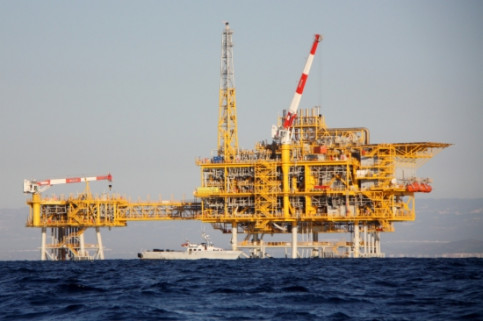 The Castor offshore platform, in front of Vinaró's coast, near Catalonia's Ebro Delta (by ACN)