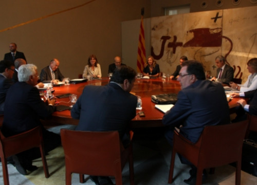 The Catalan Government's Cabinet Meeting the day it applied for the Liquidity Fund (by N. Julia)