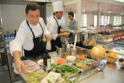 The chef Joan Roca in the Celler de Can Roca's kitchen (by X. Pi)
