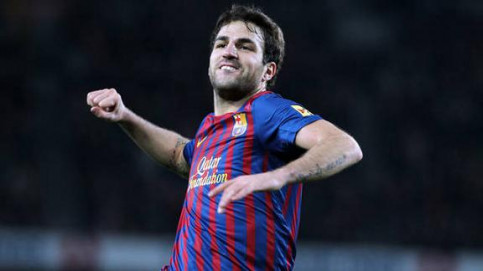 Cesc Fàbregas celebrating the second goal he scored against Osasuna (by FC Barcelona)