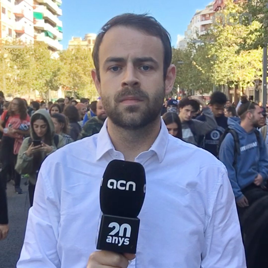 Barcelona's key streets cut in day 2 of protests against Catalan trial