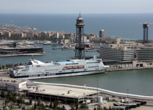 A cruise ship at the Port of Barcelona (by ACN)