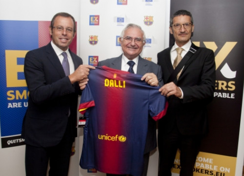 Sandro Rosell (left), John Dalli (centre) and Jordi Monés (right) (by ACN / European Commission)
