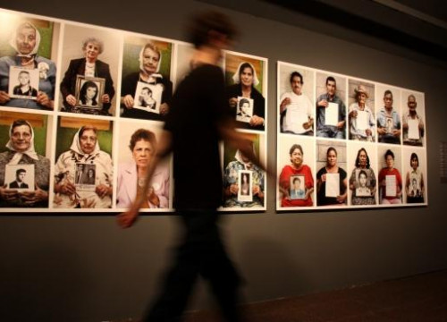 "The ""universal pain"" from the forced disappeared pictured in an exhibition (by P. Cortina)"