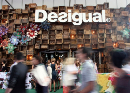 A Desigual stand in a Berlin-based fair (by N. Pérez)