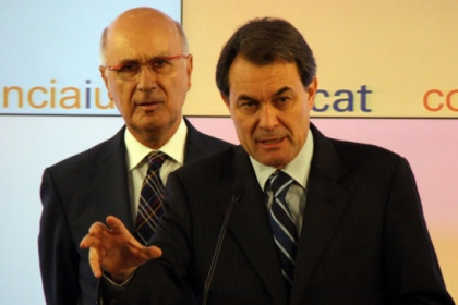 Artur Mas (at the front) with Josep Antoni Duran i Lleida during today's press conference (by P. Mateos)