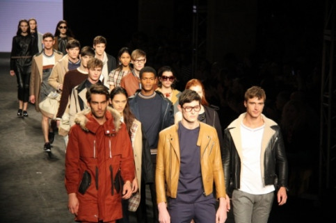 Edgar Carrascal's creations on the first day of the 080 Barcelona Fashion Week (by J.R. Torné)