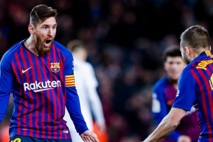 Leo Messi scores twice against Valencia (by FCB)