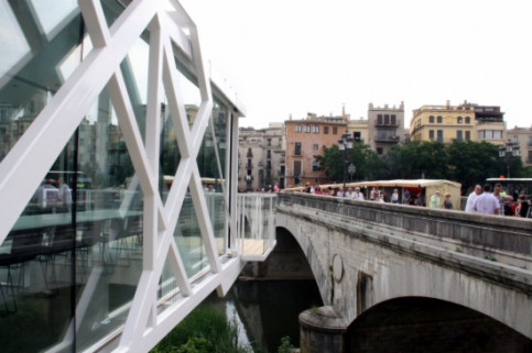 El Vol gastronomic space in Girona, located on the Onyar River (by ACN)