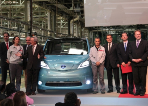 The presentation of Nissan's new van model, which is fully electric (by J. Bedmar)