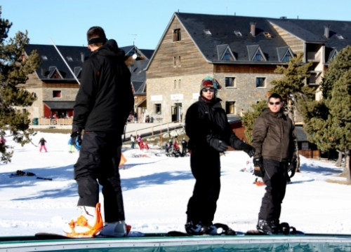 The ski sector has suffered for the lack of snow (by ACN)