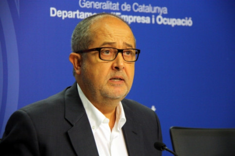 Felip Puig, presenting the new plan to combat youth unemployment (by J. R. Torné)