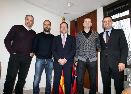 Guardiola signed a new contract until the 30th June of 2012 (by FC Barcelona)
