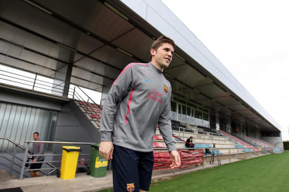 Catalan player Fontàs will join Barça's first team to replace Abidal and Puyol (by FC Barcelona)