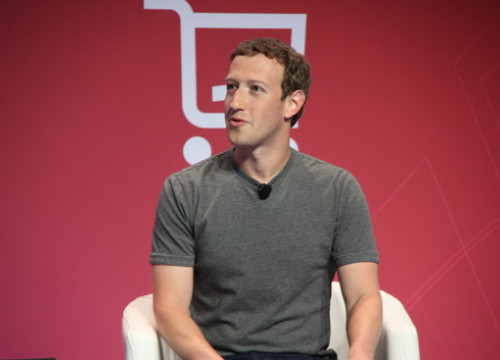 Mark Zuckerberg attends the 2016 edition of the Mobil World Congress (by ACN)