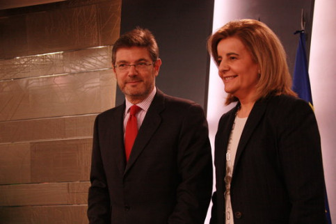 Rafael Catalá, Spanish minister of Justice and Fátima Bañez, minister of Work (by ACN)