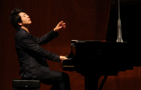 Piano virtuoso Lang Lang will perform Bach's 'Goldberg variations' in the Palau de la Música (by Fuentes B.)