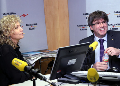 Mònica Terribas interviewing Catalan president Carles Puigdemont in April (by Jordi Bataller)