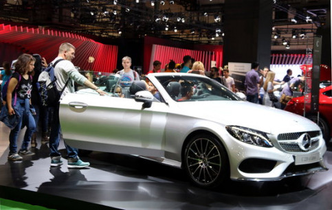 New Vehicles 2017 >> Automobile Barcelona Revs Up For Centenary Edition