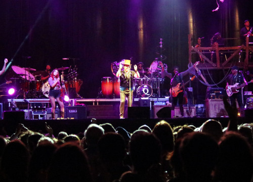 Zucchero during his concert at the festival Porta Ferrada (by ACN)