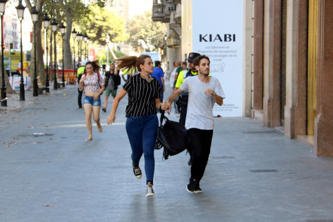 People running after possible terrorist attack in Barcelona (by Pere Francesc)