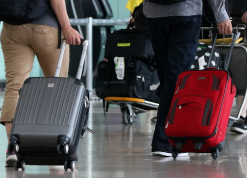 Passengers at the Barcelona airport El Prat on September 3 2017 (by Gemma Sánchez)