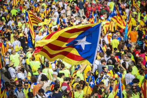 Catalan independence flags waved on September 11, Catalonia's National Day, in 2017, less than a month before the independence referendum (by ACN)