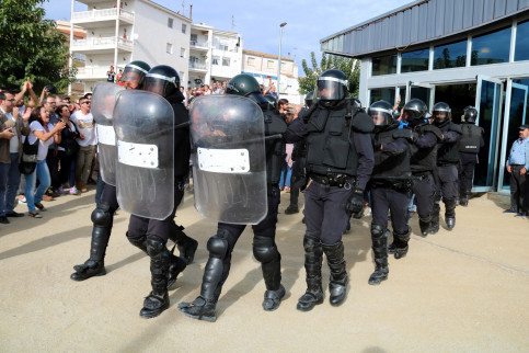 Spanish police in riot gear on the day of the independence referendum