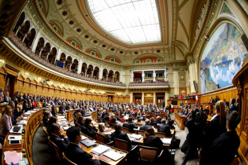 Image of a Swiss parliament plenary session (by Reuters)