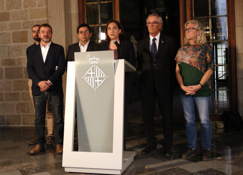 Ada Colau, mayor of Barcelona, with representatives from ERC, PDeCat, and the CUP on Oct 17 (by ACN)