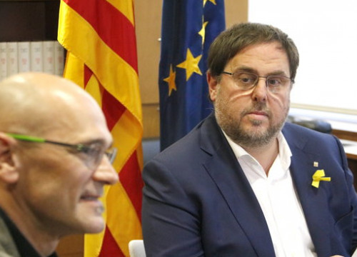 The Catalan former ministers Raül Romeva (left) and Oriol Junqueras in October 2017 (by Rafa Garrido)