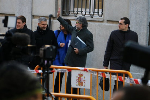 Defense lawyer of Catalan leaders arriving at the Supreme Court on Friday (by Tània Tàpia)