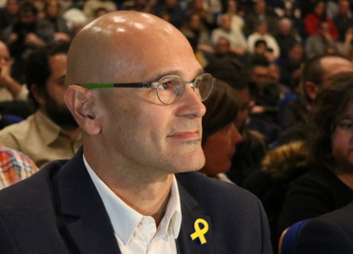 Raül Romeva, on his first appearance at a public event after leaving Estremera prison, at a rally in Valls, December 6, 2017 (Gemma Sánchez)