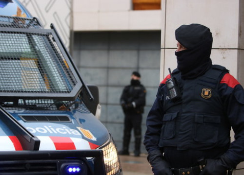 An agent of the Mossos d'Esquadra (by ACN)