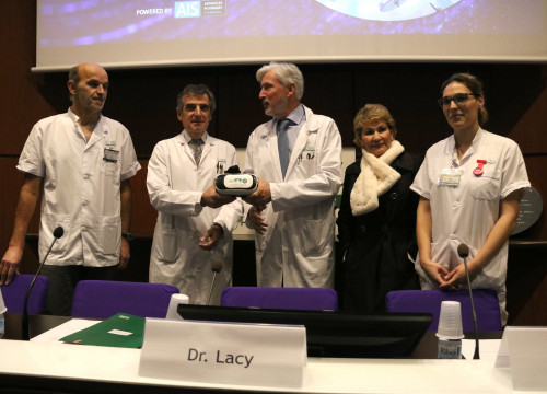 Presentation of virtual reality technology for patients awaiting operation (by ACN)