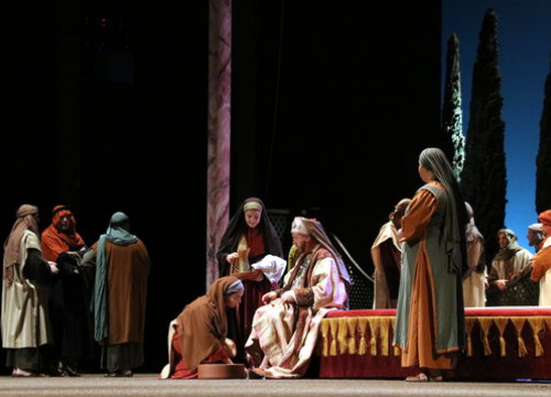 Opening scenes of the Passion of Christ at Olesa de Montserrat (by  ACN)