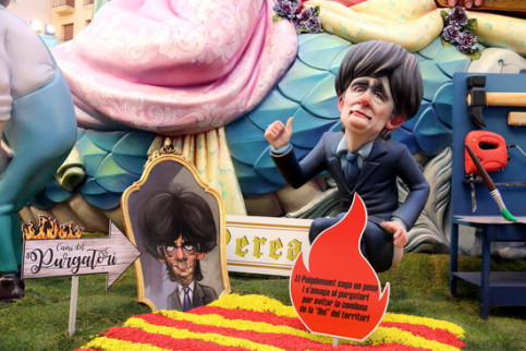 A Valencian falla featuring the Catalan deposed president Carles Puigdemont (by José Soler)