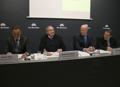 Director of Alimentaria Antoni Valls (left), alongside the president of the Fira de Barcelona, Josep Lluís Bonet, alongside the president and director of Hostelco, Rafael Olmos and Gonzalo Sanz (by ACN)