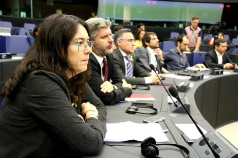 Diana Riba, the wife of deposed minister Raül Romeva, at the European Parliament (by Laura Pous)