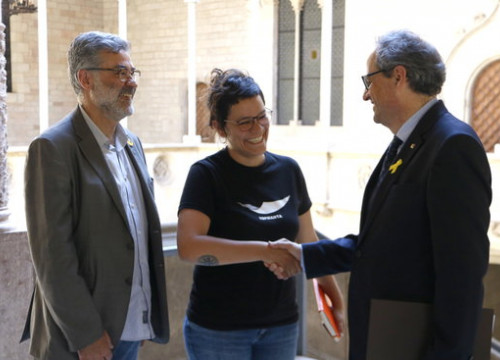 Catalan president Quim Torra (right) meets with CUP MPs Natalia Sánchez and Carles Riera (by Rafa Garrido)