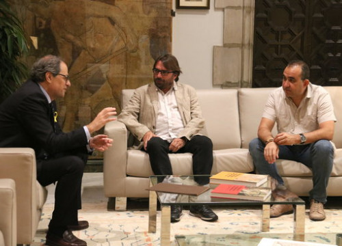 Catalan president Quim Torra (left) with the secretary general of UGT Camil Ros (middle) and of CCOO Javier Pacheco (right) on June 18 2018 (by Rafa Garrido)