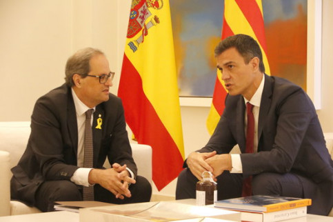 Catalan president Quim Torra (left) and Spanish president Pedro Sánchez (by Rafa Garrido)