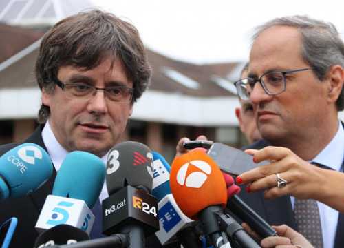 The Catalan president, Quim Torra (right), with his predecessor, Carles Puigdemont in Waterloo on August 27, 2018 (by Natàlia Segura)