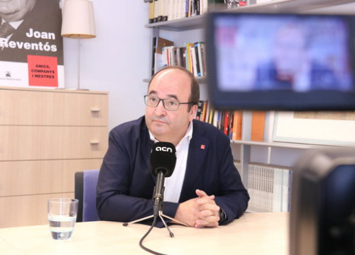 The Catalan Socialist leader Miquel Iceta during an interview with the Catalan News Agency (by Bernat Vilaró)