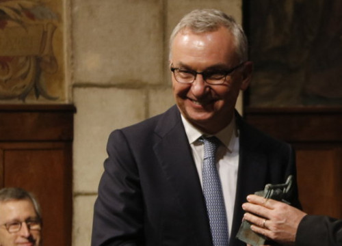 Catalan oncologist Josep Baselga receives the Catalonia International Award in 2016 (by ACN)