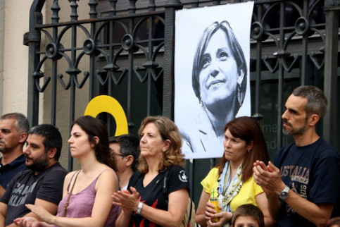Protesters demand the release of former Catalan speaker Carme Forcadell (by Pau Cortina)