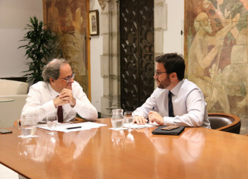 The president of the Catalan government, Quim Torra (left), with his second-in-command, Pere Aragonès (right), on October 5, 2018 (by Mariona Puig)