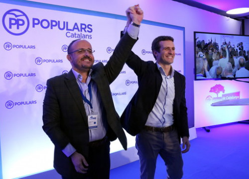 The new leader of the People's Party in Catalonia, Alejandro Fernández (left) with Pablo Casado, the party head in Spain on November 10, 2018 (by Núria Julià)