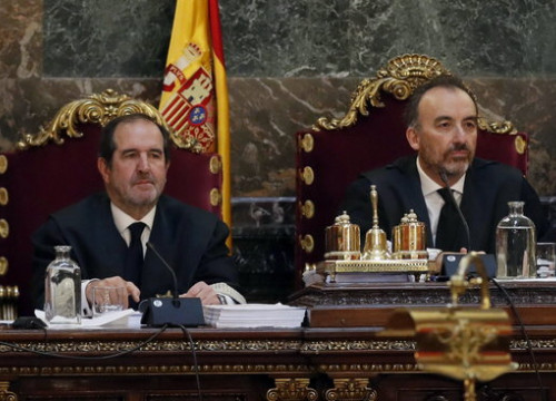 Judge Manuel Marchena (right) (by Efe)